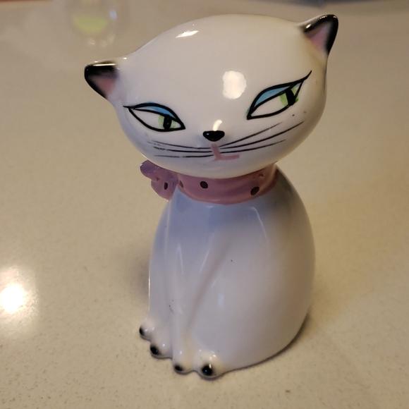Cutest Cat Figurine!